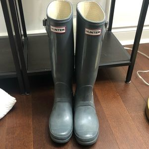 Tall grey hunter boots and sock inserts